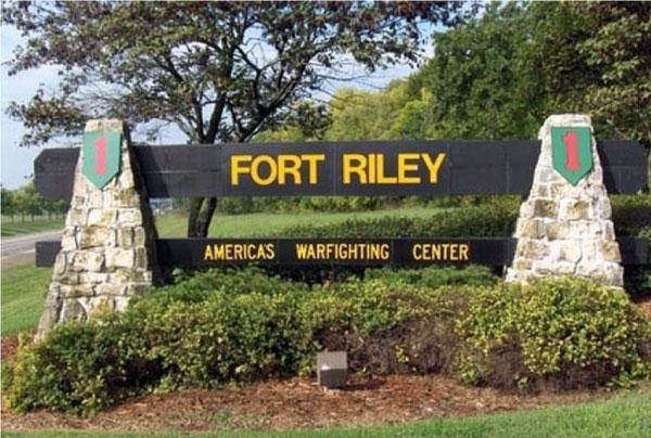 FORT RILEY KANSAS ARMY BASE
